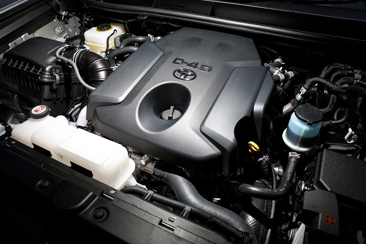 2017-Toyota-LandCruiser-Prado-engine.jpg