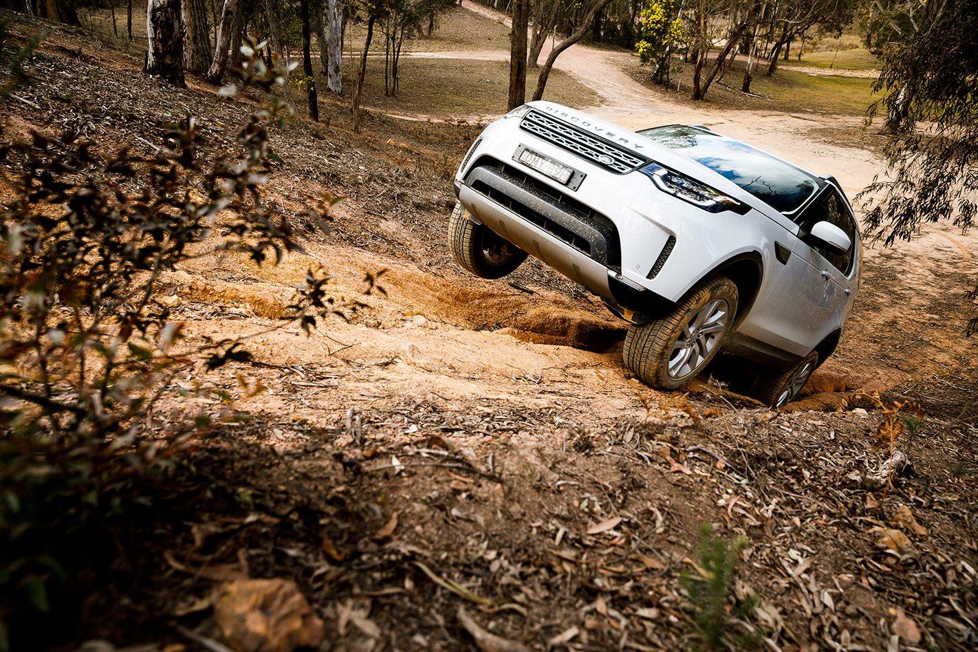 2017 Land Rover Discovery hillclimb.jpg