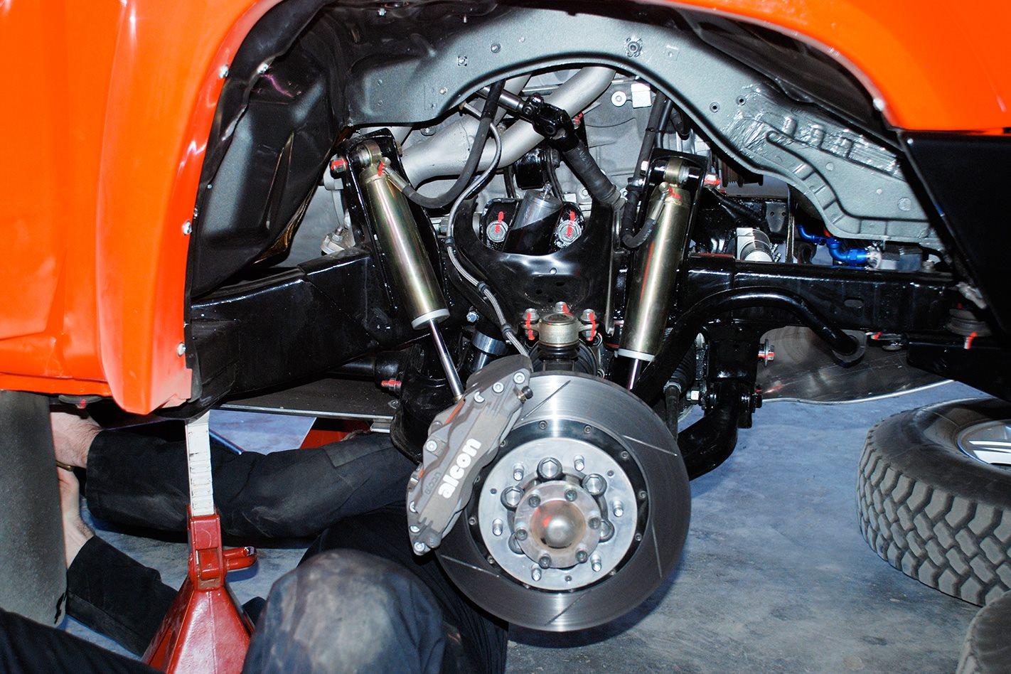 Holden-Rally-Team-Colorado-V8-custom-axels.jpg