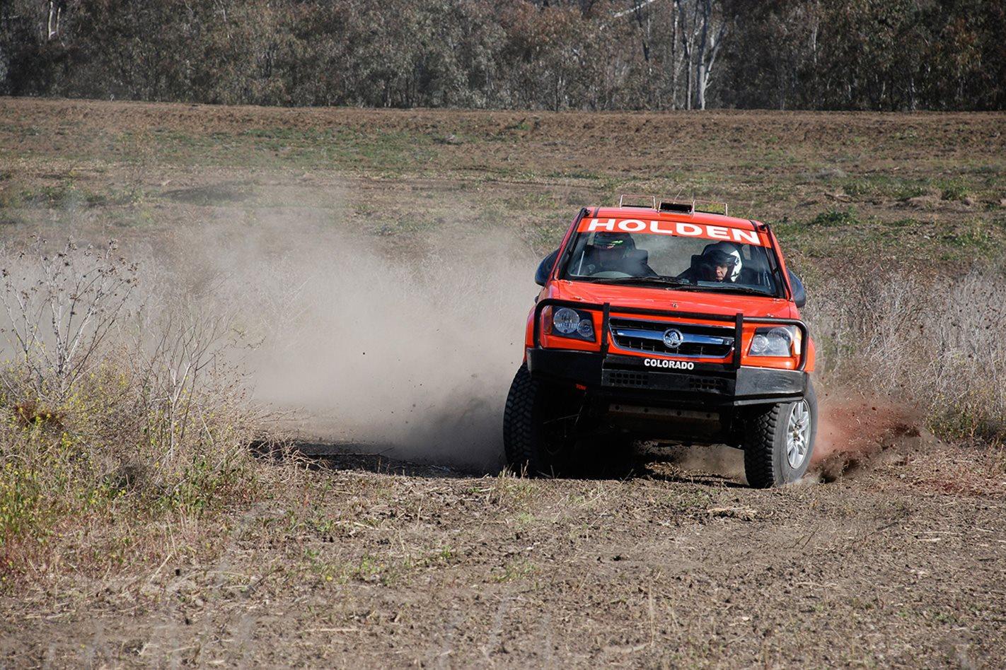 Holden-Rally-Team-Colorado-V8-custom-offroading.jpg