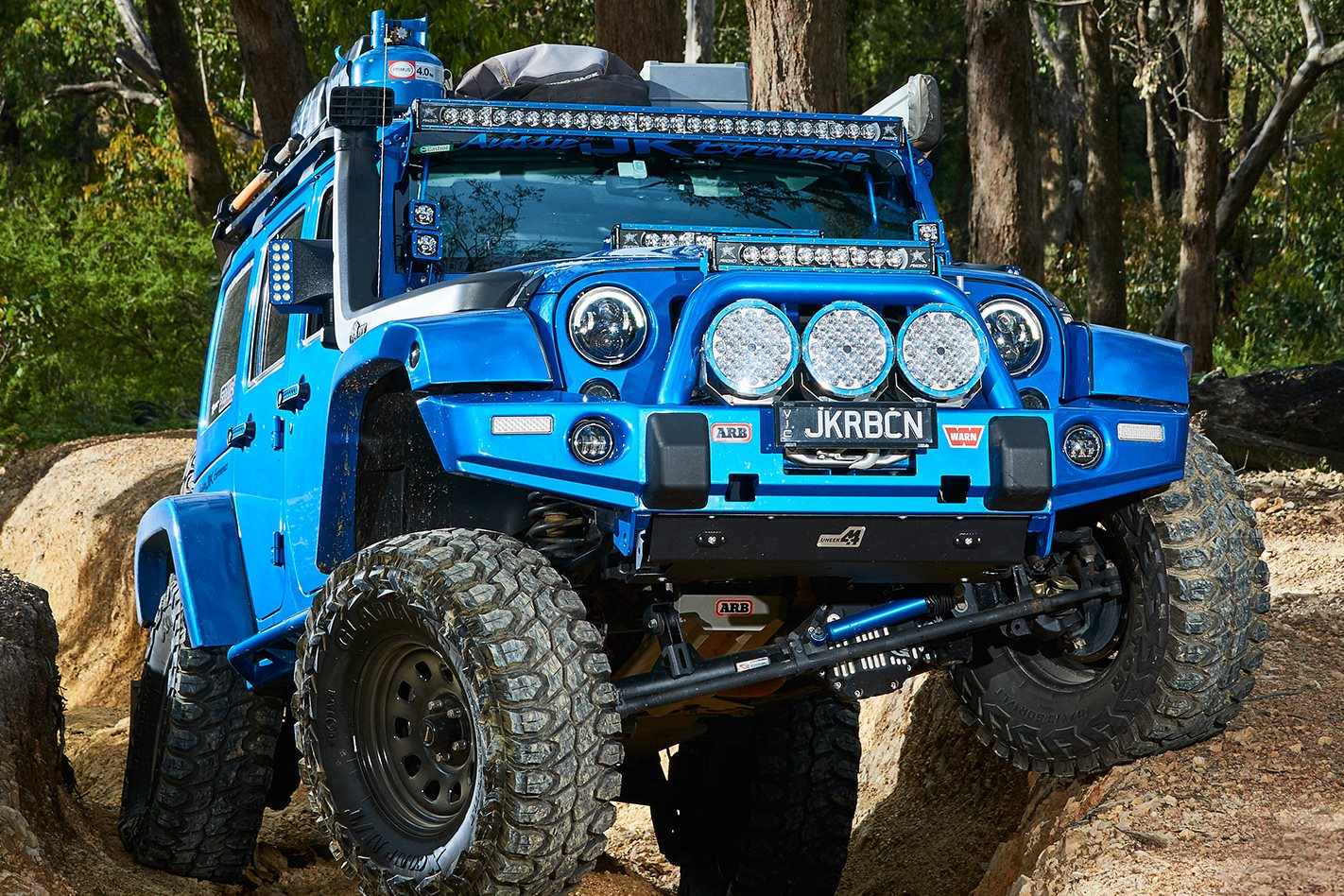 Supercharged-JKU-Jeep-Wrangler-Rubicon-axles.jpg
