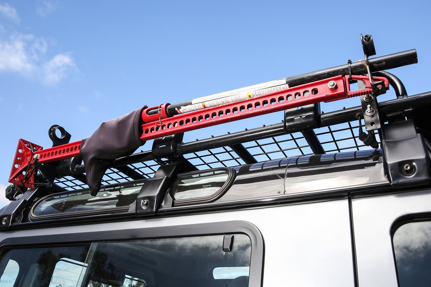 Land-Rover-Defender-90-roof-rack.jpg