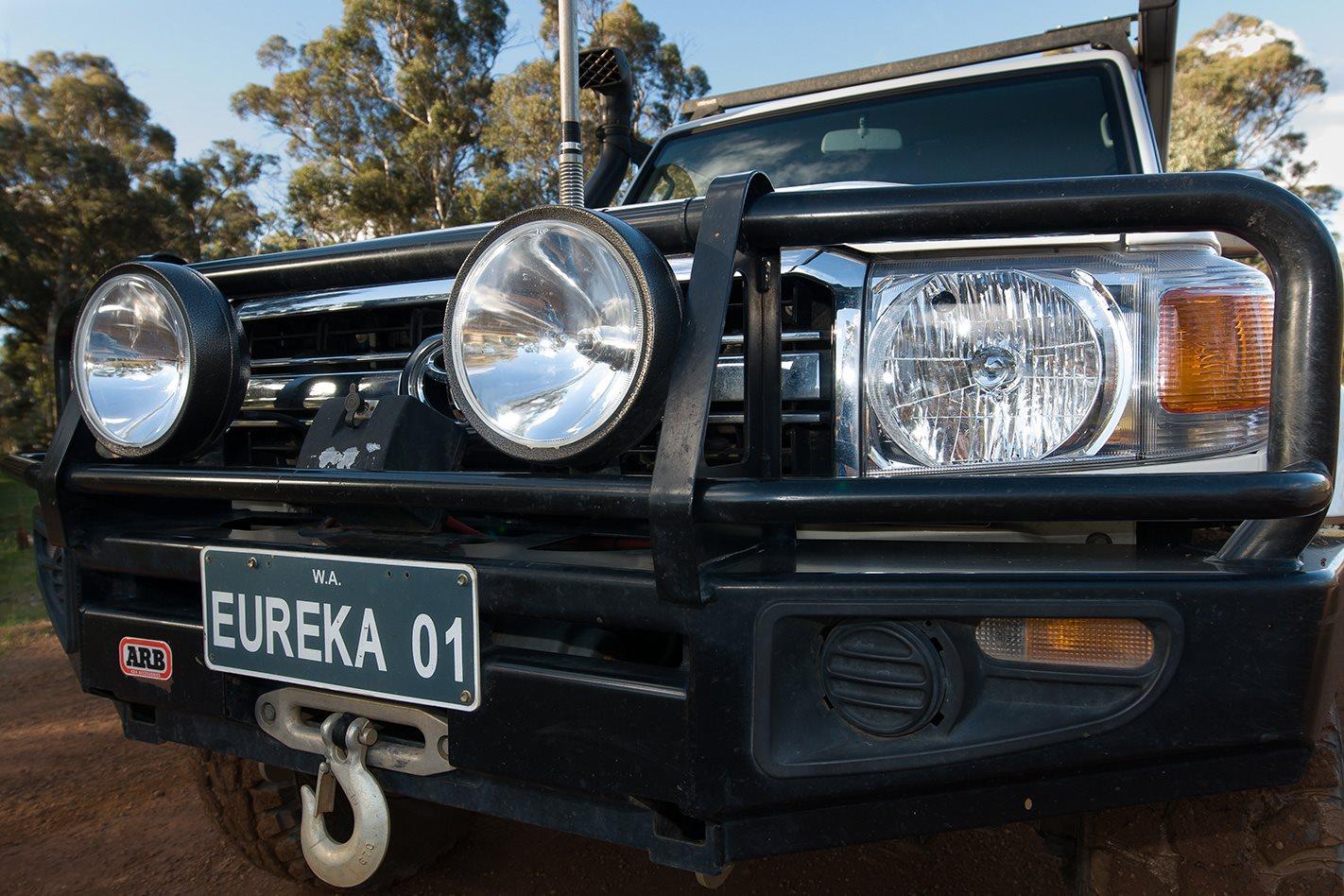 2010-Toyota-Land-Cruiser-76-Series-headlights.jpg