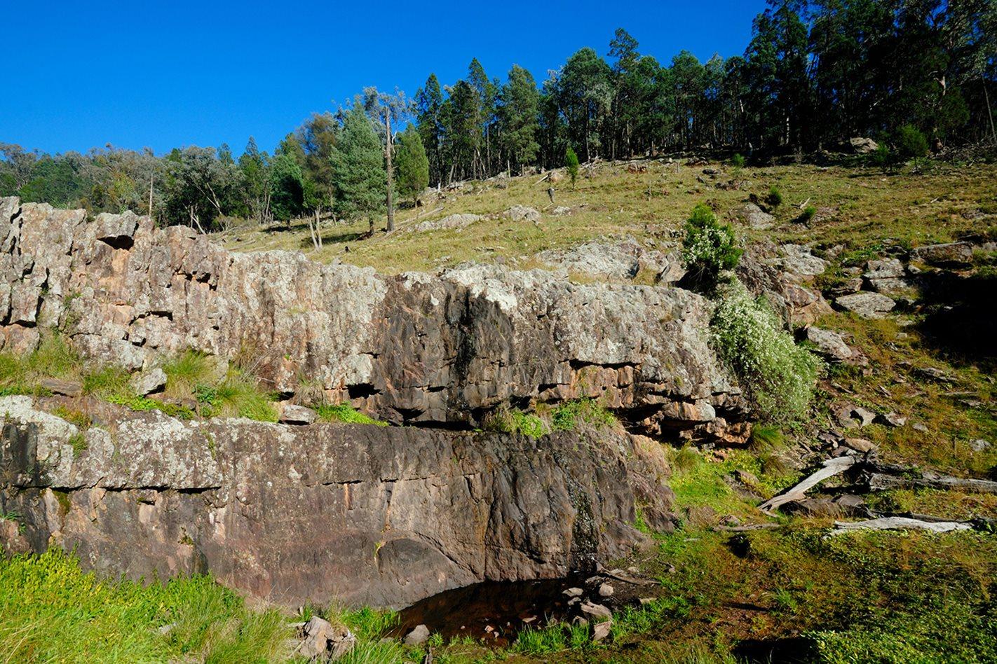 Dripping-rock-Nangar-National-Park,-NSW.jpg