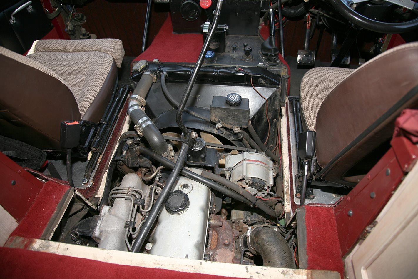 Land Rover 101 engine.jpg
