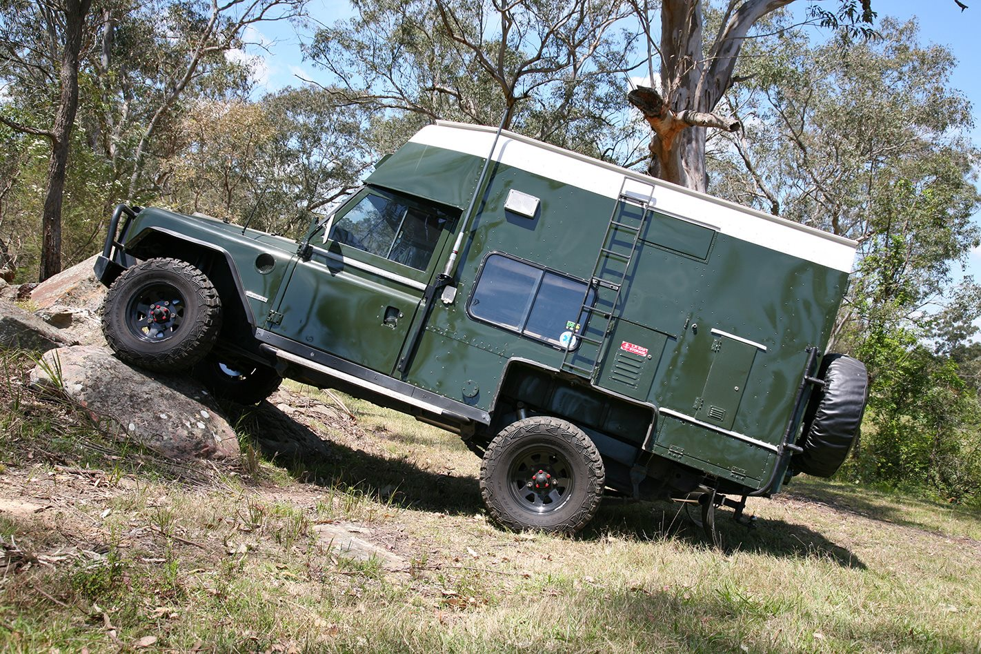 1982 land rover camper custom review 4x4 australia. Black Bedroom Furniture Sets. Home Design Ideas