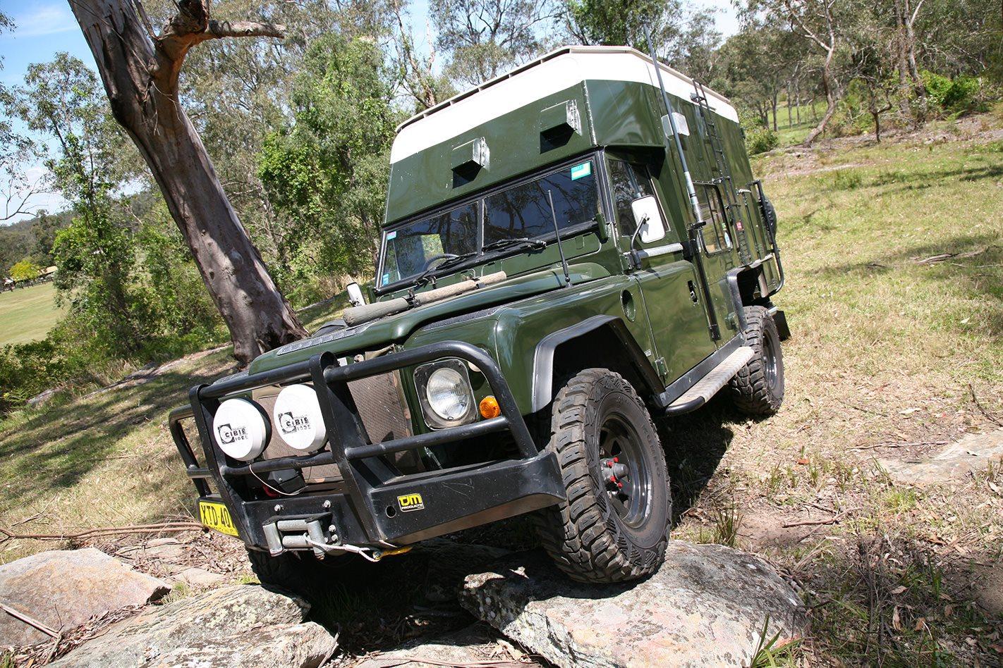 1982 Land Rover camper front.jpg