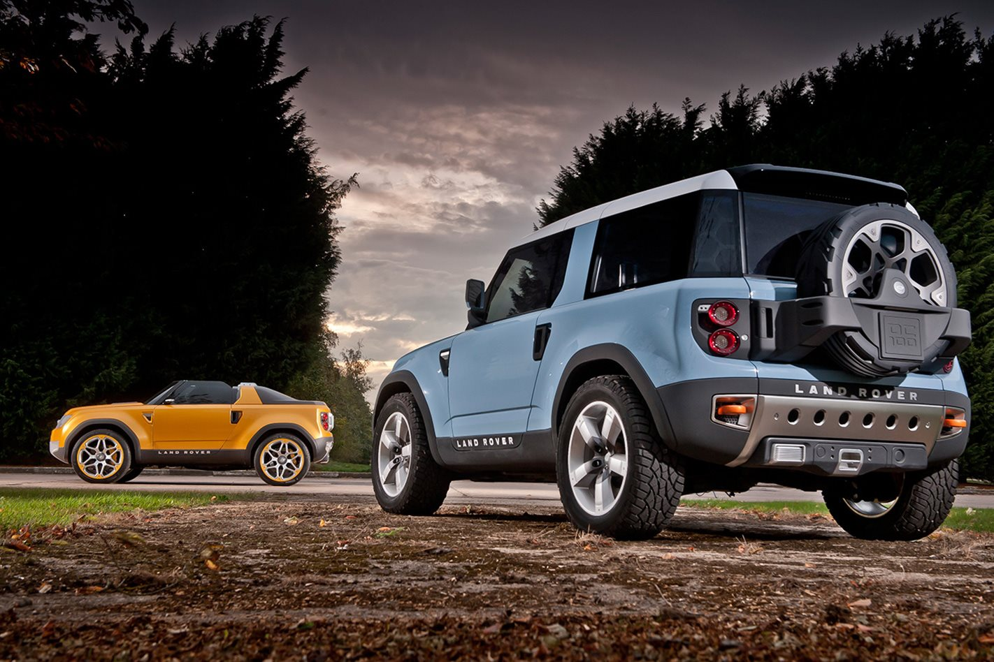 Land-Rover-Defender-Concept-rear.jpg