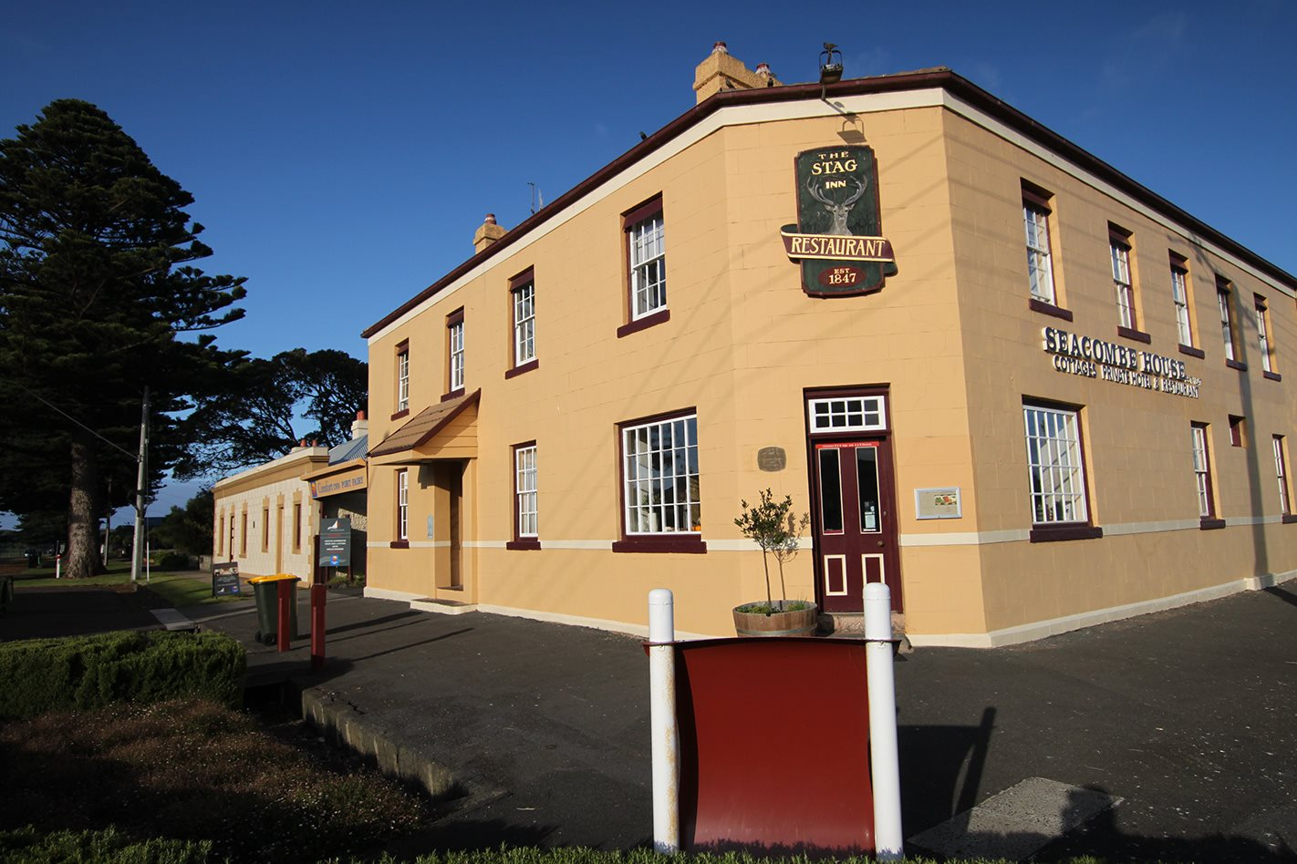 Port Fairy, Vic BUILDING.jpg