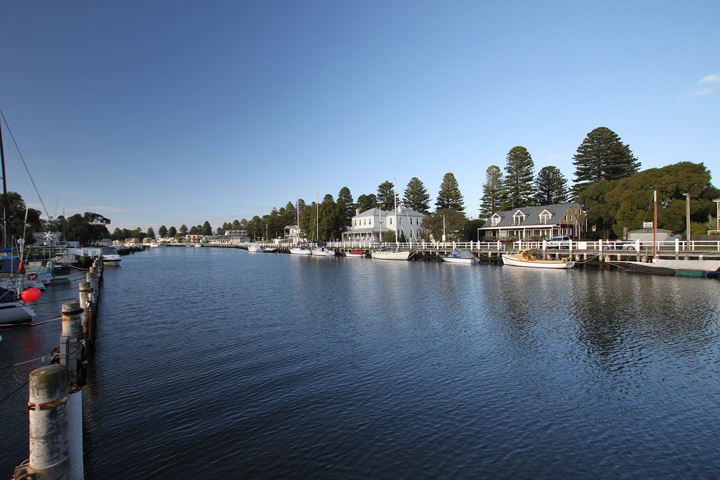 Port Fairy, Vic harbour.jpg