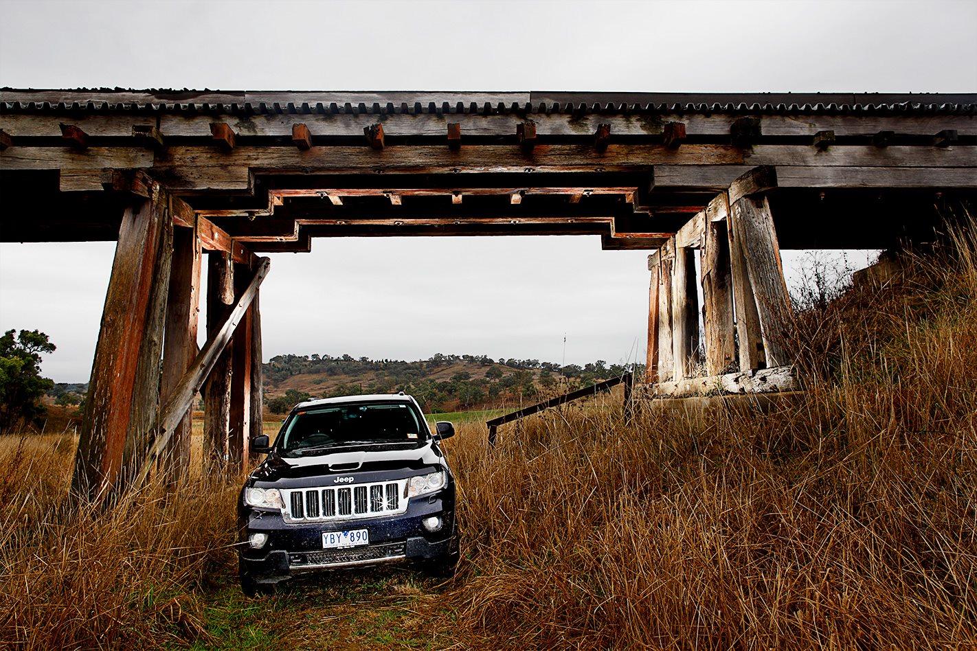 2011 Jeep Grand Cherokee.jpg