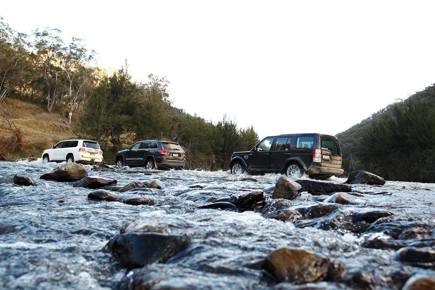 2011 Toyota LandCruiser 200 Series vs Land Rover Discovery 4 vs Jeep Grand Cherokee watercrossing.jpg