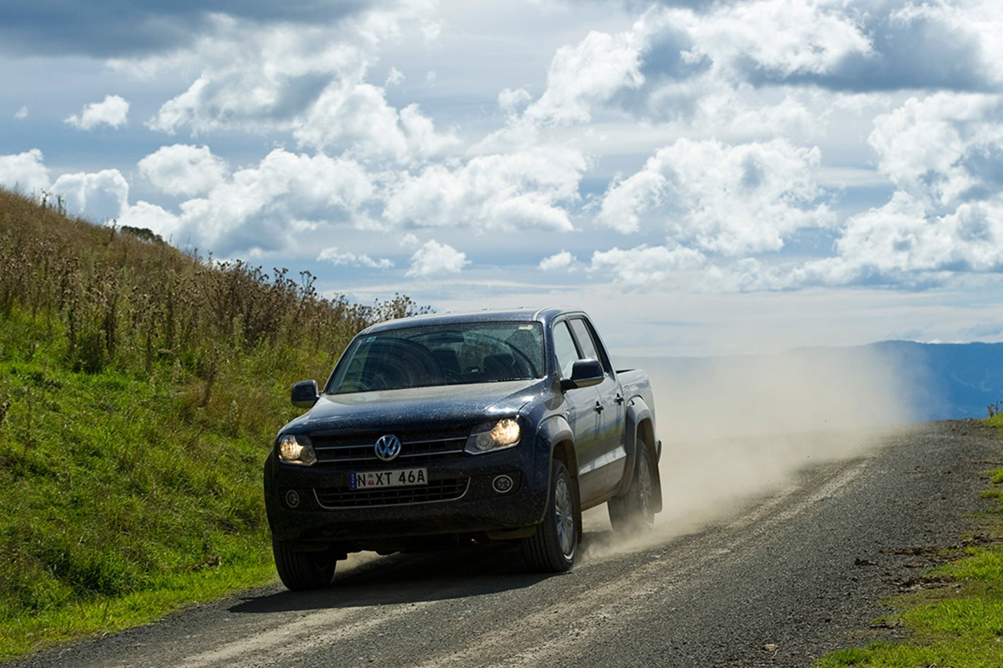 2011-Volkswagen-Amarok-driving.jpg