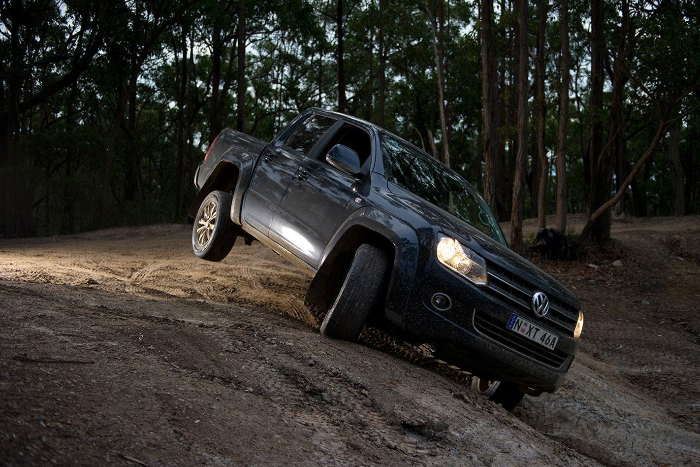 2011-Volkswagen-Amarok-offroading.jpg