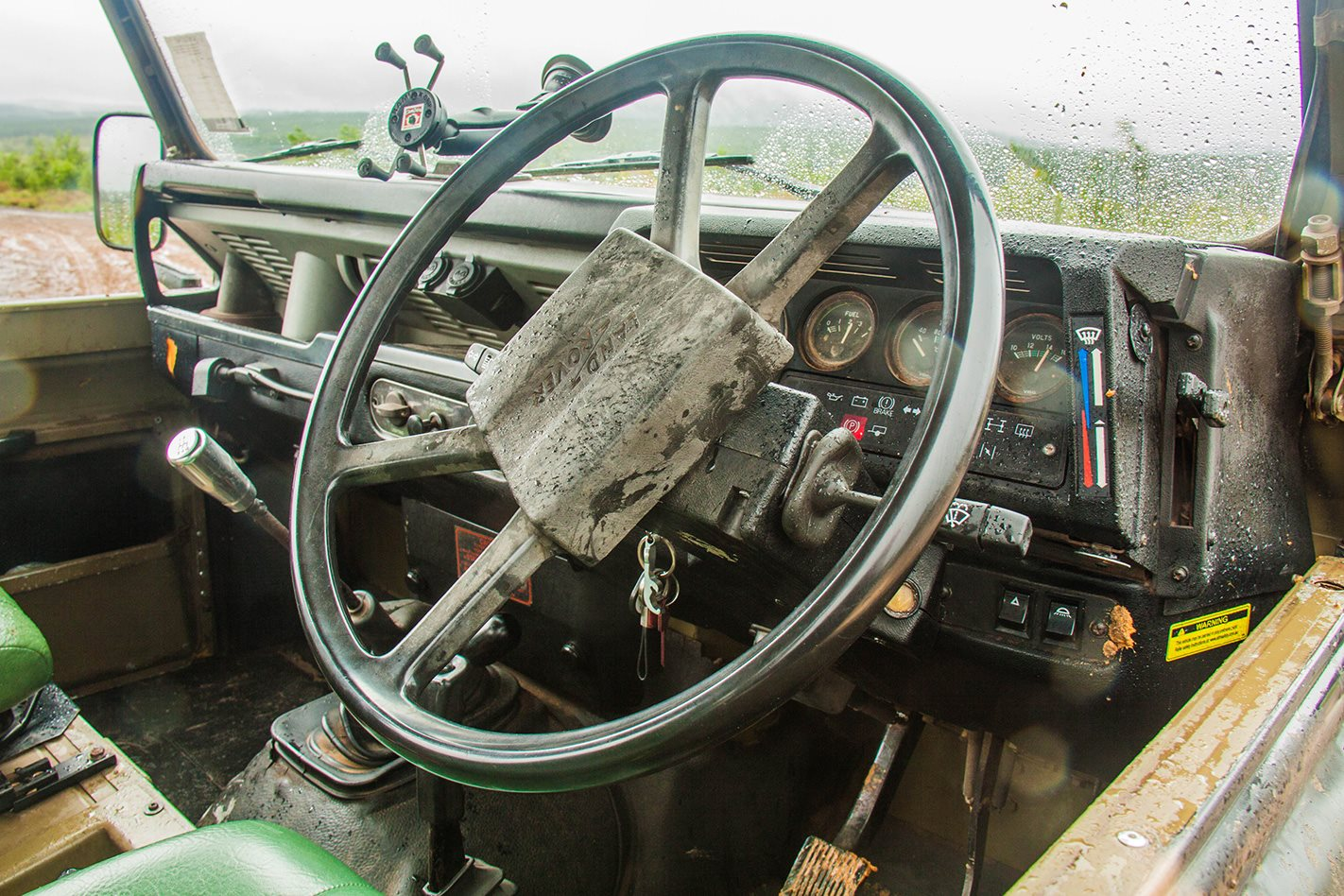 Perentie Defender 110  steering wheel