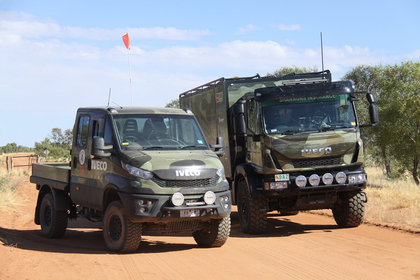iveco daily 4x4 range crosses the simpson desert. Black Bedroom Furniture Sets. Home Design Ideas