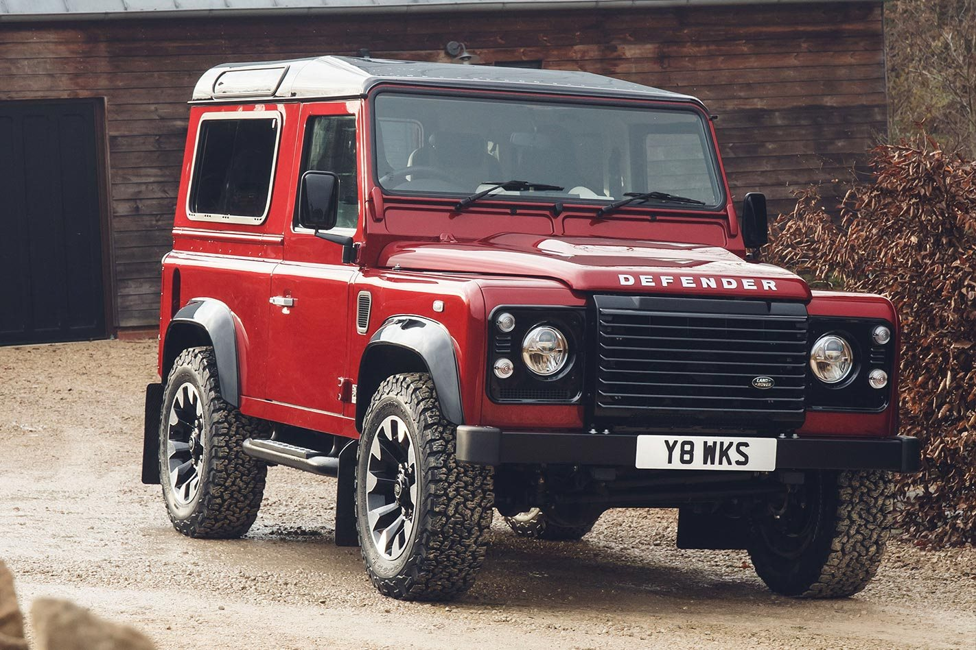 Land Rover Defender Works V8 Launched Challenge Tim Hannig Jaguar Classic Director Said Its Fitting That Weve Been Able To Release The Full Potential Of Iconic