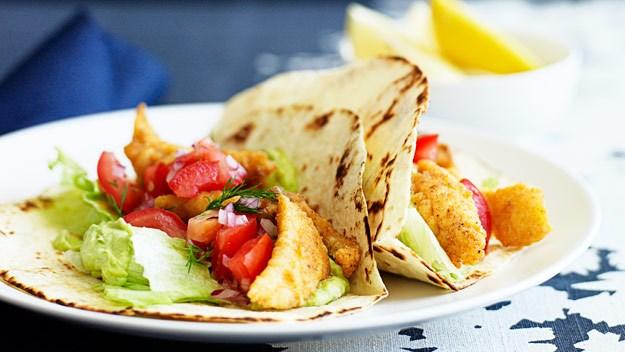 Fish fajitas with guacamole