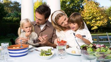 Mealtime madness: keeping your kids nourished