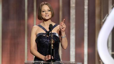 Jodie Foster comes out as a lesbian in emotional speech