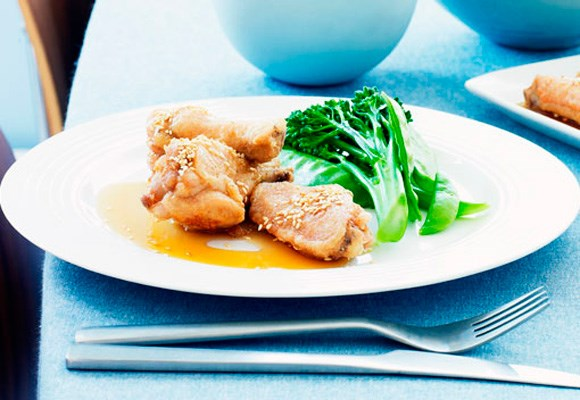 [**Crispy chicken wings with honey sauce**](http://www.aww.com.au/food/recipes/2011/2/crispy-chicken-wings-with-honey-sauce)
