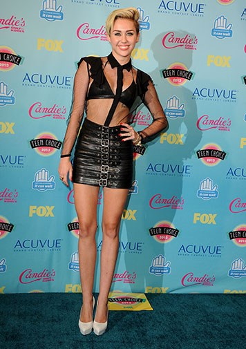 Miley in a very revealing outfit at the 2013 Teen Choice Awards.