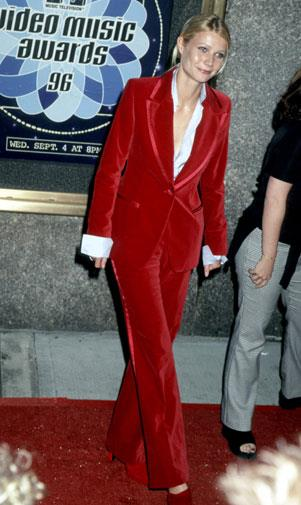 Gwyneth rocks a red velvet pant suit at the 1996 MTV Awards.