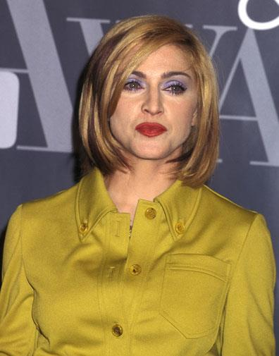 Rocking a blonde bob in December 1995.