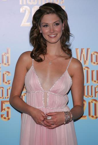 Pretty in pink at the World Music Awards in 2005.