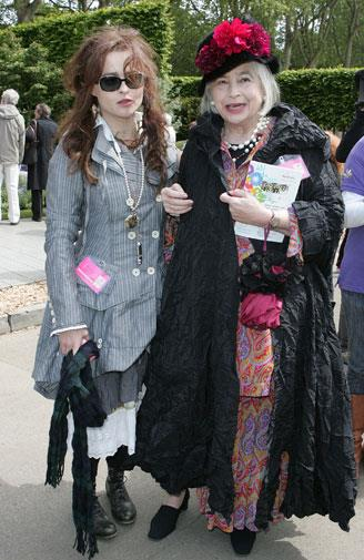 With her mother again at the Chelsea Flower Show 2009.