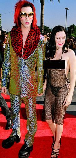 Rose McGowan and her sheer 'dress' at the 1998 MTV Awards.