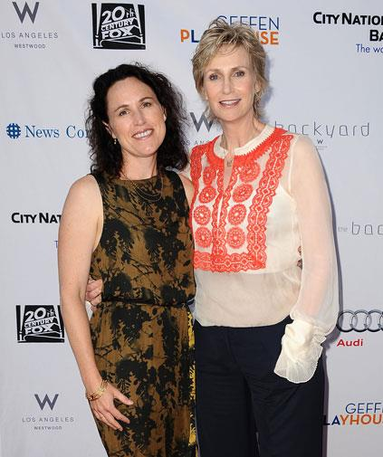 *Glee* star Jane Lynch and her wife Lara Embry.