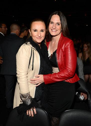Country music singer Melissa Etheridge and her love interest Linda Wallem.