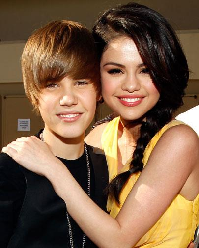Young former flames Justin Bieber and Selena Gomez mirrored each others smiles.