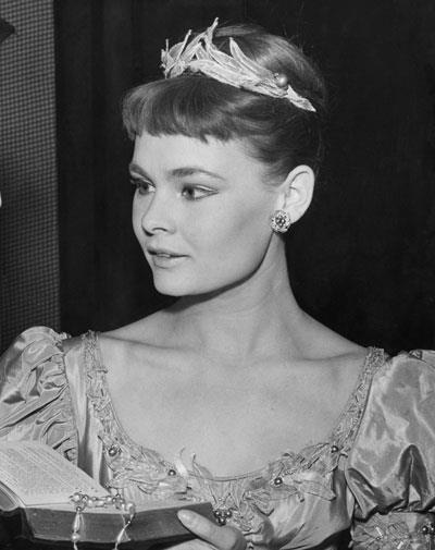 Judi Dench in 1957