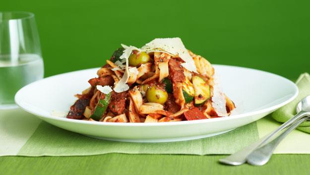 "**[Tagliatelle with tomato, olives and chorizo](https://www.womensweeklyfood.com.au/recipes/tagliatelle-with-tomato-olives-and-chorizo-8337|target=""_blank"")**"