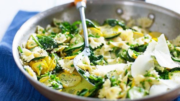 Pasta with zucchini and lemon garlic sauce
