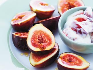 Figs with sheep milk yoghurt and honey