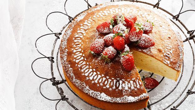 "Lemon and sour cream cake. Recipe [here](http://www.foodtolove.com.au/recipes/lemon-sour-cream-cake-14661 ""_blank"")"