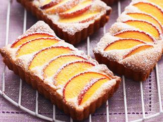 Peach and almond tarts