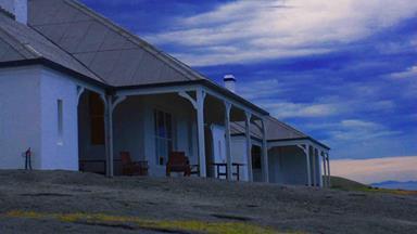 Lighthouse cottage getaway: Montague Island