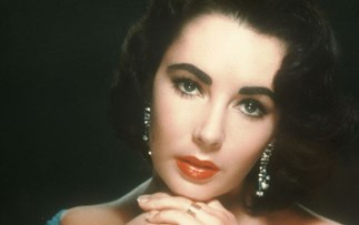Elizabeth Taylor late to her own funeral