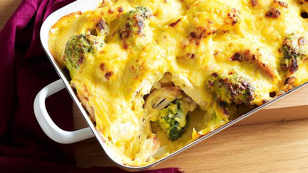 "**[Curried chicken, cauliflower and broccoli bake](https://www.womensweeklyfood.com.au/recipes/curried-chicken-cauliflower-and-broccoli-bake-15598|target=""_blank"")**  Save time by using store-bought barbecued chicken. You won't lose out on any flavour, and dinner will be ready much quicker."