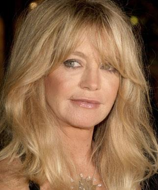 Goldie Hawn has been in one of the longest de-facto relationships in Hollywood with fellow film actor Kurt Russell and has aged beautifully in her later years.