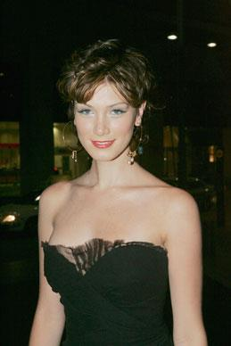 Delta arrives at the Four Seasons Hotel for St. Vincent's Hospital cancer centre fundraiser gala dinner in Sydney 2004. She was treated at the centre when she was diagnosed with Hodgkin's Disease.