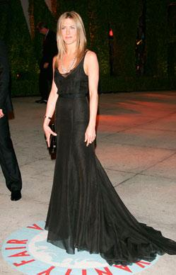 Jen arrives looking simply stunning at the Vanity Fair Oscar Party at Mortons in March, 2006 in West Hollywood, California.