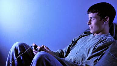 Staying up all night playing video games 'puts teens at higher risk of diabetes'