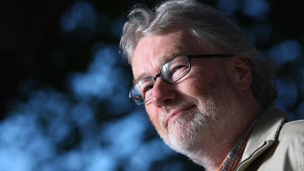 Iain Banks reveals terminal cancer in touching letter to fans