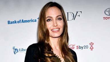 Angelina Jolie to have ovaries removed