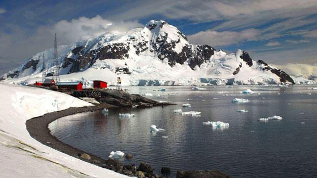Lockroy Station and Harbour, Antarctic Peninsula